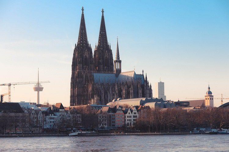 Neuer Standort: Köln